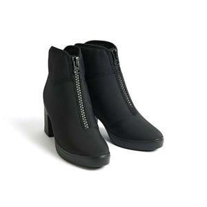 UNIQLO U Women Heeled Short Black Boots Shoes 5.5
